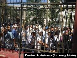Бишкек шаарынын мурдагы мэри Албек Ибраимовдун бөгөт чарасын кароо учуру. 30-июль, 2018-жыл.