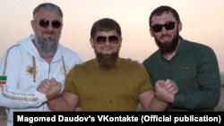 Магомед Даудов (справа на фото) не сдержал слово и возвратился в инстаграм