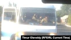 Бойовиків угруповання «ДНР» везуть на обмін 26 серпня, фото із Liveblog журналіста проекту Радіо Свобода «Настоящее время» Тимура Олевського