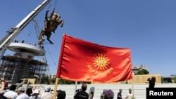 """Statuja e Aleksandrit të Madh, pjesë e projektit """"Shkupi 2014""""."""