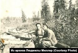 Константин Леонтьев (слева)
