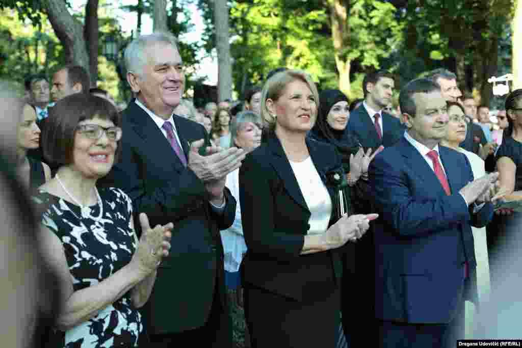 Predsednica Skupštine Srbije Maja Gojković, predsednik Srbije Tomislav Nikolić, Dragica Nikolić i ministar spoljnih poslova Srbije Ivica Dačić