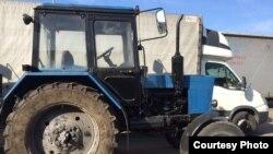 Ўзбекистонга юбориш учун сотиб олинган Беларус трактори.