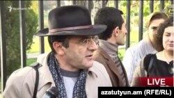 Ցույցի մասնակիցներից իրավապաշտպան Արթուր Սաքունցը: