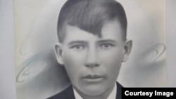 Алматы облысы Ұзынағаш кентінде туған, екінші дүниежүзілік соғыста 21 жасында қаза тапқан қызыл әскер Николай Шлыков.