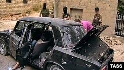 Дагестан: исламчыл террористтер делгендердин унаасын аскерлер аткылашты, 2010-жылдын 17-июну.