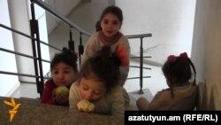 Երևանի Կաթողիկե եկեղեցում ապաստանած սիրիահայ երեխաներ