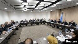 Швейцария - общий вид на зал, где ведутся многосторонние переговоры о сирийском урегулировании
