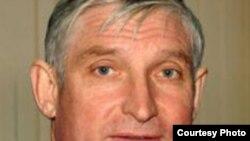 Николай Рябов начнет депутатский год с месяца молчания.