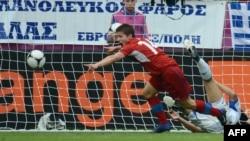 Чех футболшысы Вацлав Пиларж жеңгендеріне қуанып тұр. Польша, 12 маусым 2012 жыл.