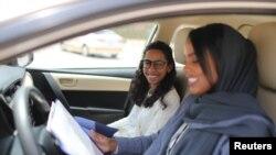 Жените в Саудитска Арабия получиха правото да шофират през 2018 г.