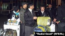 Депортирање на таџикистански мигранти од Русија.