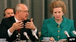 Soviet President Mikhail Gorbachev and British Prime Minister Margaret Thatcher in Moscow on June 8, 1990