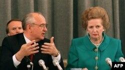 Михаил Горбачев и Маргарет Тэтчер на пресс-конференции в Москве, 8 июня 1990 года
