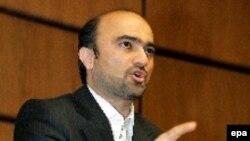 جواد وعیدی، معاون شورای عالی امنيت ملی ایران، ملاقات خود با رابرت کوپر، معاون مسئول سياست خارجی اتحاديه اروپا را که قرار بود روز چهارشنبه 21 نوامبر صورت گیرد ، لغو کرد.