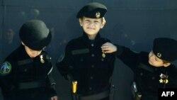 Чеченские дети в военной форме