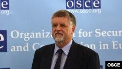 Герберт Зальбер поинтересовался возможностью открытия офиса спецпредставителя ЕС в Сухуме, «чтобы иметь постоянный контакт с коллегами из представительства ЕС в Тбилиси»