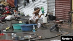 Девочка в поисках питьевой воды. Провинция Лейте