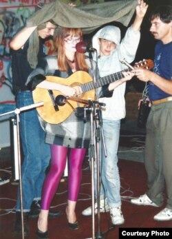 «Басовішча» 1992. Выступае Вольга Цярэшчанка