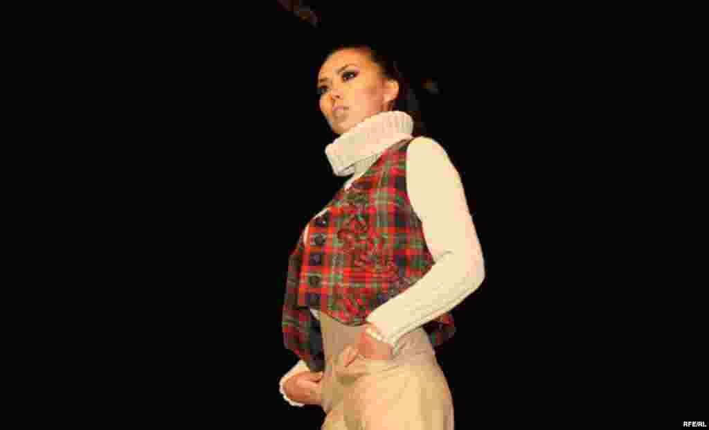 Осенняя Неделя моды-2012 #13