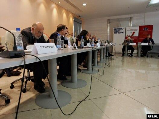 Sa okruglog stola o regionalnoj saradnji, 25. juni 2010, Foto: Saša Čolić