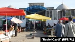Тәжік базары. Куляб, 5 сәуір 2016 жыл.