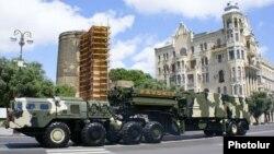 Ադրբեջան - Բաքվում ռազմական շքերթի ժամանակ ցուցադրվում է C-300 համակարգը, արխիվ