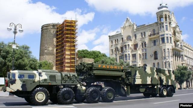 Azerbaijan - An S-300 air-defense system demonstrated during a military parade in Baku, 26Jun2011.