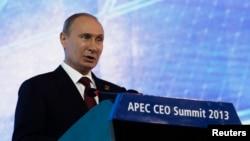Russian President Vladimir Putin says he understands why U.S. President Barack Obama decided to skip the APEC summit.