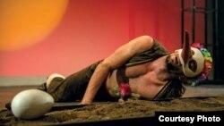 """Театарска претстава """"Силјан Штркот шанца"""", по текст на Дејан Дуковски и во режија на Срѓан Јаниќијевиќ. Фотографии на Кире Галевски."""