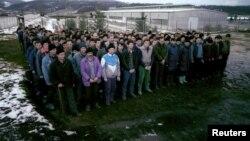 Bošnjaci koji su prebjegli u Srbiju iz Srebrenice i Žepe, u logoru Šljivovica u blizini Užica