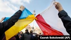 На сьогодні у Польщі є чотири консульські установи