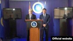 Лидерот на СДСМ Зоран Заев седиштето на ДУИ во Мала Речица се сретнa со лидерот на ДУИ, Али Ахмети.