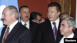 """Lukaşenko keçmişlərdə də """"sülhyaradıcılıqla"""" məşğul olub"""