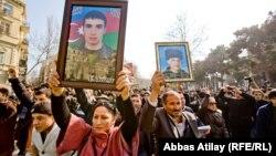 На демонстрації в Баку, 11 березня 2013 року