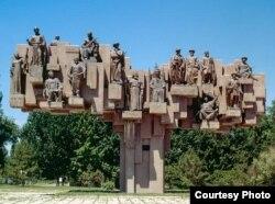 Каким должен быть в оригинале памятник «Эл куту».