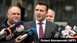 Kryeministri i Maqedonisë, Zoran Zaev gjatë një adresimi për media
