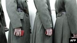 Армейская реформа зашла в тупик, полагают эксперты