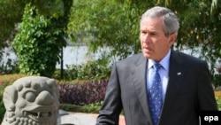 Джордж Буш в Ханое