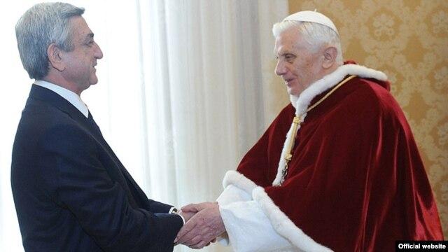 Vatican - Pople Benedict XVI meets with Armenian President Serzh Sarkisian, 12Dec2011