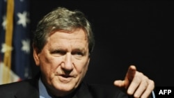 Richard Holbrooke at a press conference in Islamabad on June 5