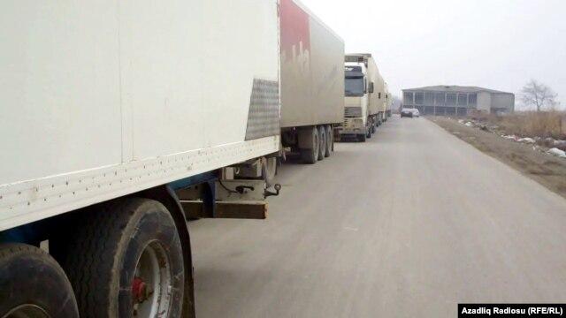 گمرگ آستارا در مرز جمهوری آذربایجان