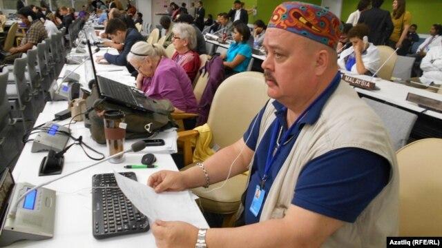 Надир Бекиров БМОның асаба халыклар форумында. 18 май 2014