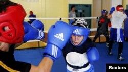 Қазақ боксшысы Саида Хасенова дайындық кезінде. Лондон, 26 шілде 2012 жыл