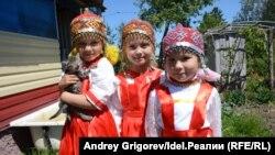 Девочки в чувашских нарядах. Фото 2018 года