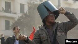 Qahirədə müxalifət fəalları ilə prezidentin tərəfdarları arasında toqquşma, 3 fevral 2011