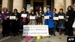 Выступления и молитвы в поддержку Малалы в октябре 2012 года