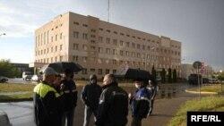 Ոստիկանները ձերբակալում են «Ազոտի» գործարանի մոտ հավաքված ցուցարարներին, Գրոդնո, 25 օգոստոսի, 2020թ.