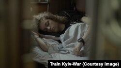 Кадр з фільму «Поїзд «Київ-Війна»