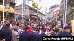 Protest građana i aktivista ispred zgrade Geozavoda